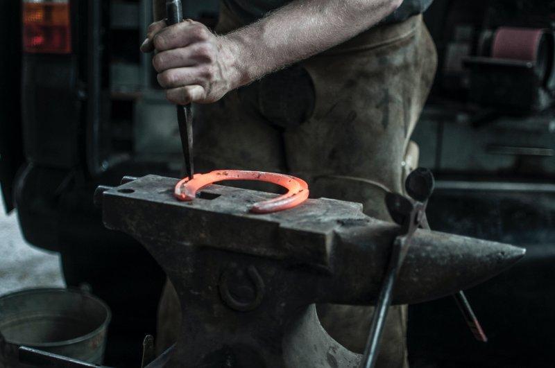Hufschuhe oder Eisen